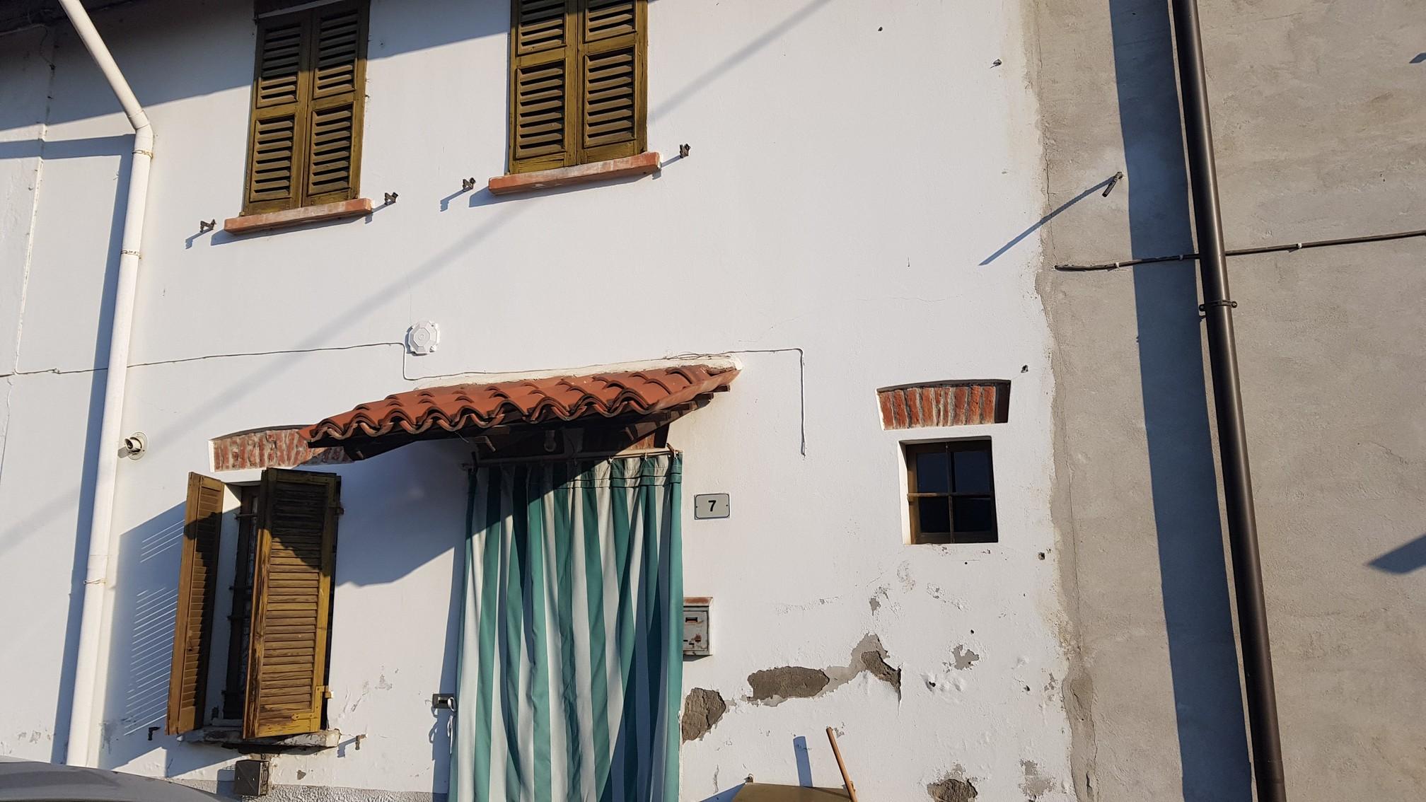 Trovo (PV) Casa da ristrutturare