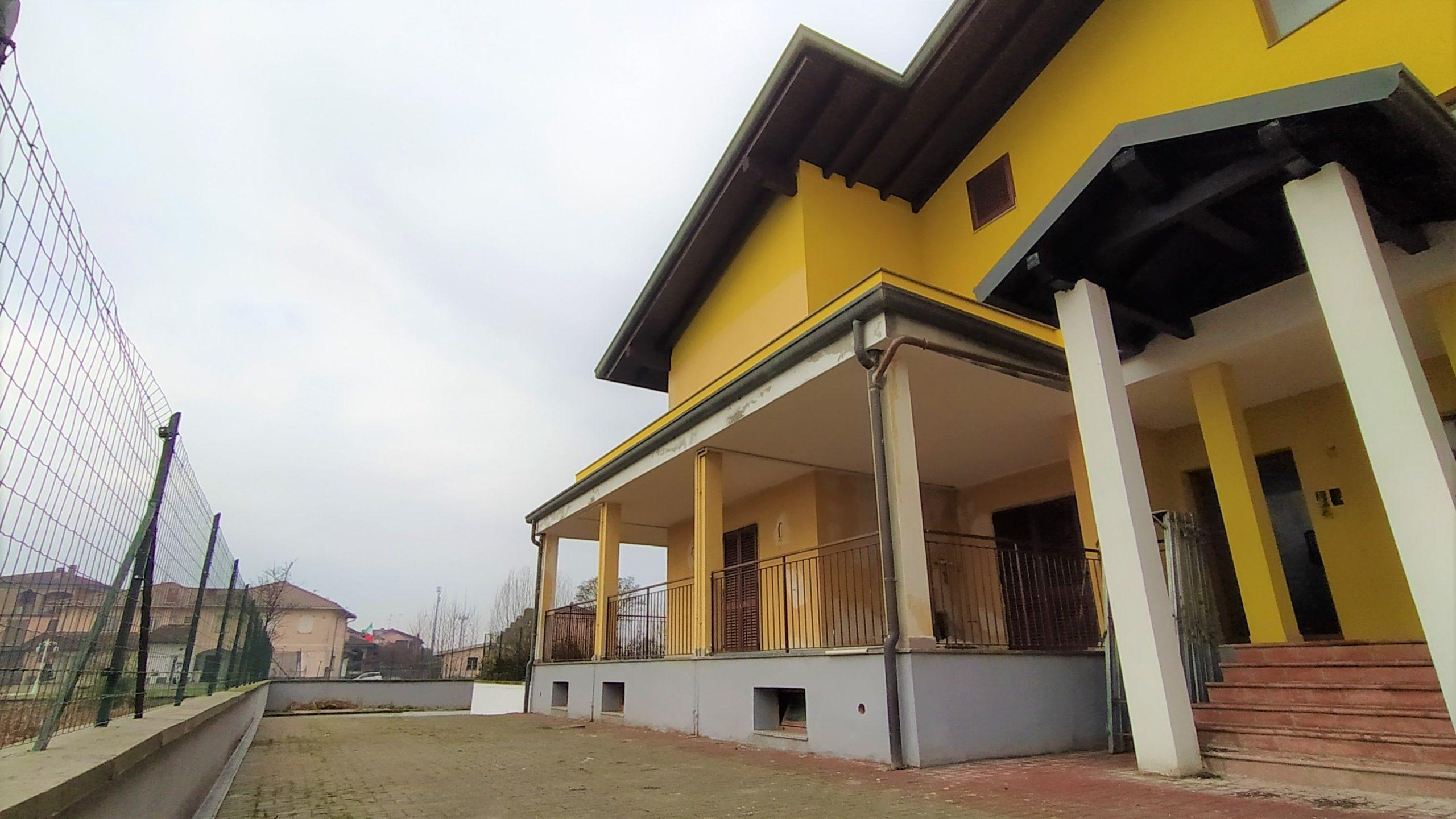 Giussago (PV) – Appartamento Trilocale con giardino privato